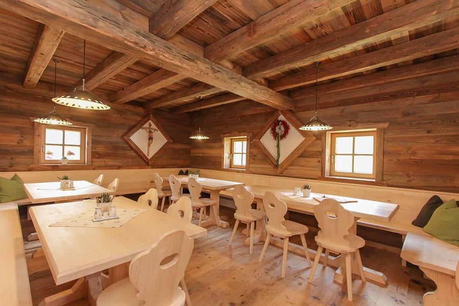 innenausbau und sanierungen zimmerei holzbaumeister k hlbichler. Black Bedroom Furniture Sets. Home Design Ideas